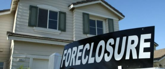 How a Real Estate Lawyer can help in Avoiding a Foreclosure